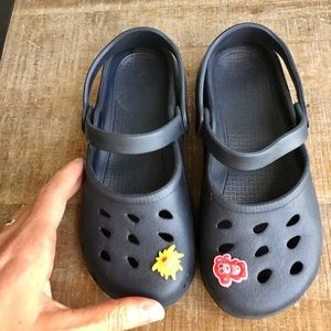 Girl's CROC-like Sandals | Size 1/2